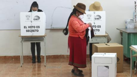 Ecuador votes for president as voters lean toward socialism