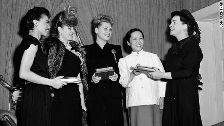 "Wu, shown here second from right, was among a group selected as ""Young Women of the Year&报价; by Mademoiselle magazine in 1946."