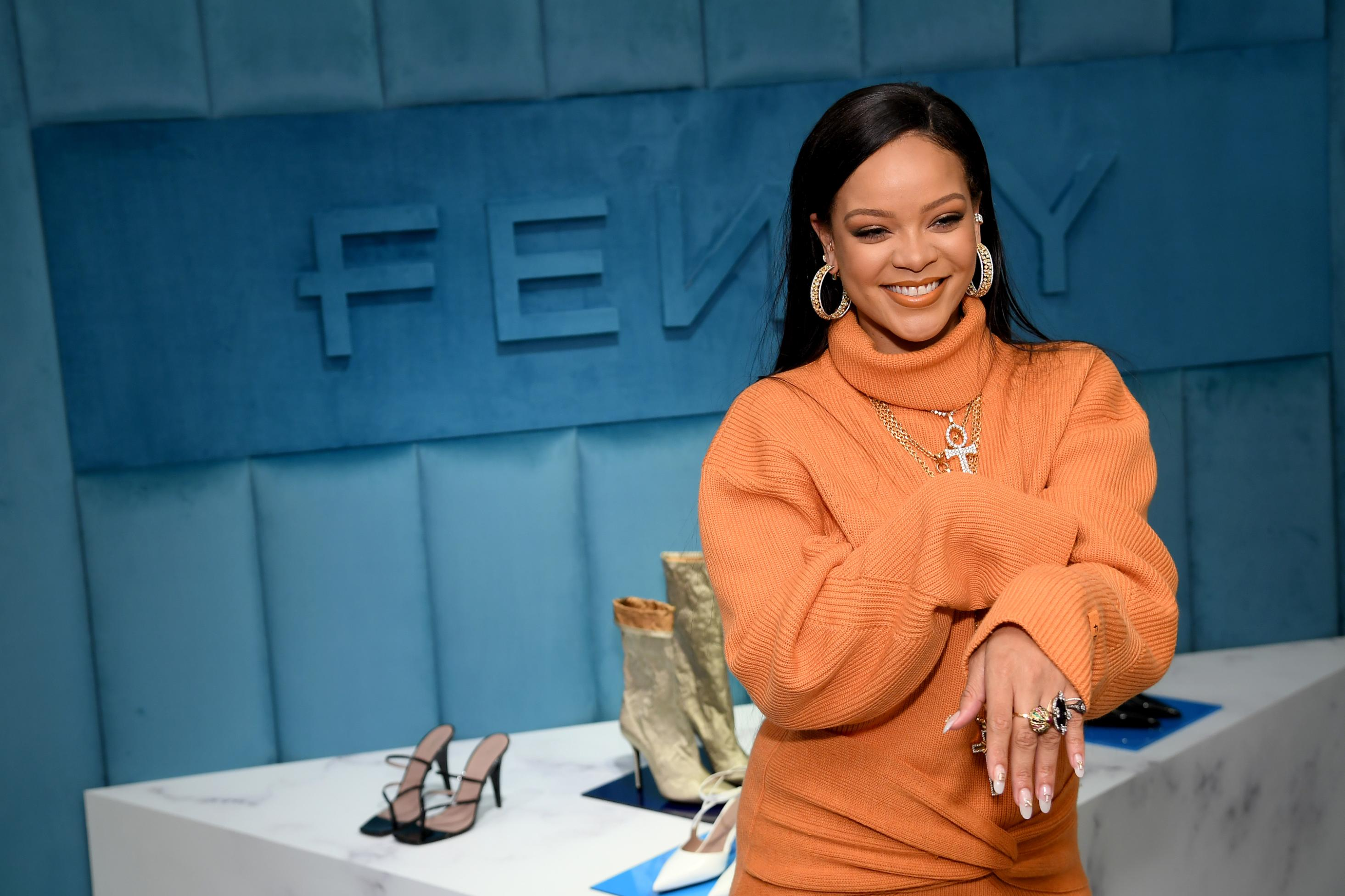 Resultado de imagen para Rihanna fenty fashion