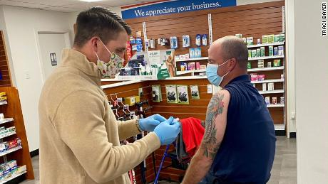 Small triumphs, some glitches as nationwide Covid-19 vaccine pharmacy program takes off