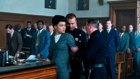 Andra Day (center) en 'The United States vs. BIllie Holiday' (Takashi Seida).