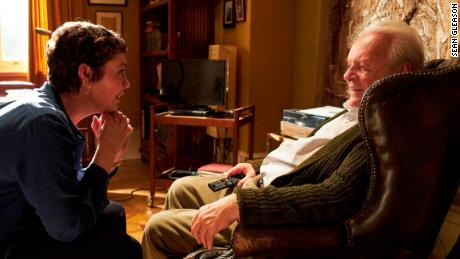 "Olivia Colman (sinistra) and Anthony Hopkins (destra) star in ""The Father,"" which premieres February 26."