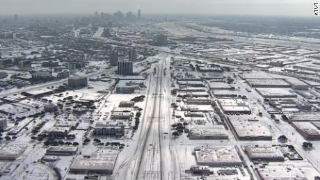 Rare snowfall blankets Texas and Oklahoma