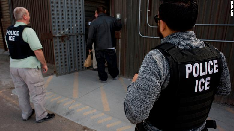ICE plans to release migrant families in detention, 当局は言う