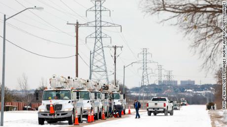 Fact-checking the Texas energy-failure blame game