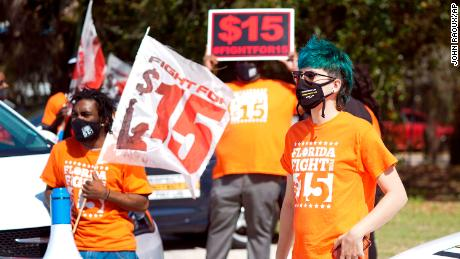 Everything you need to know about the debate over the $  15 minimum wage