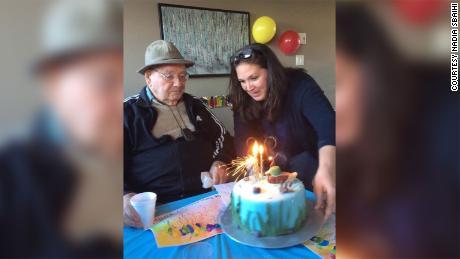 نادیہ سبیہی اپنے دادا روڈریگ کوئنل کی 93 ویں سالگرہ منارہی ہیں۔