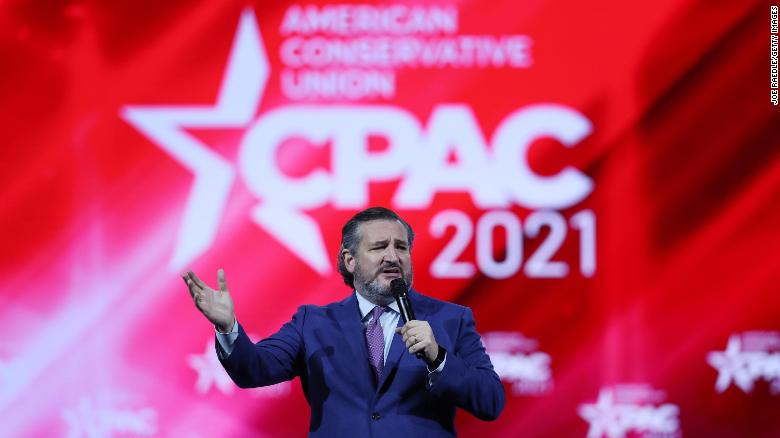 'They restricted our freedoms': Los altavoces de CPAC rechazan las restricciones de Covid