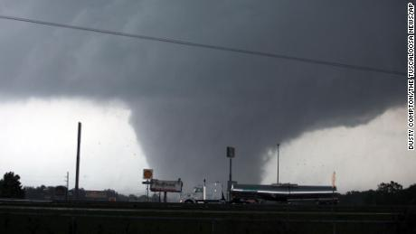 La Niña could supercharge this year's tornado season, just like it did to deadly effect in 2011