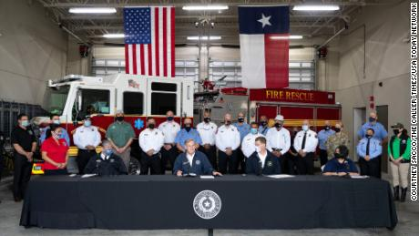 德克萨斯州政府. Greg Abbott announces the statewide initiative during a press conference at Corpus Christi's Fire Station 18 在二月. 25, 2021.