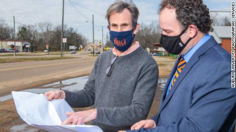 Richard Burt and Keith Hébert examine schematics from Selma's Bloody Sunday site.