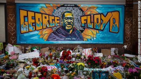 MINNEAPOLIS , MINNESOTA - MAY 31: The makeshift memorial and mural outside Cup Foods where George Floyd was murdered by a Minneapolis  police officer on Sunday, May 31, 2020 in Minneapolis , Minnesota. (Jason Armond/Los Angeles Times via Getty Images)