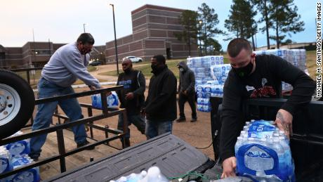 Jackson, Mississippi, officials report progress in restoring water after last month's powerful storm