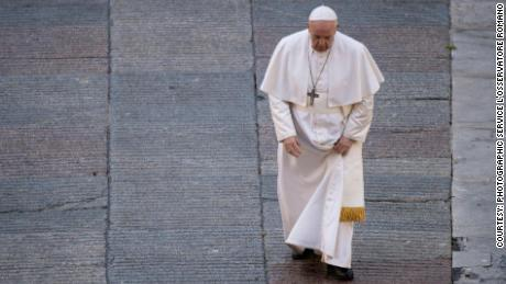 Pope Francis in the documentary 'Francesco' (Courtesy: Photographic Service L'Osservatore Romano/Discovery+).