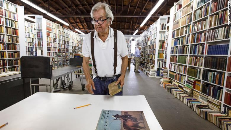 Larry McMurtry, author of 'Lonesome Dove' and other novels, muore all'età 84
