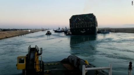 US Navy specialists to help free wedged ship in Suez Canal