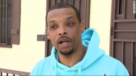ایل اے پی ڈی افسران پر الزام ہے کہ اس نے اس کے گھر کے باہر ایک سیاہ فام شخص کی گرفتاری کے دوران نسلی تبلیغ کا الزام لگایا تھا