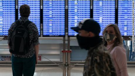 Despite big travel numbers, airlines aren't roaring back yet