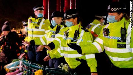 سارہ ایوارڈ کے لئے نگرانی میں میٹرو پولیٹن پولیس کے نقطہ نظر پر بڑے پیمانے پر تنقید کی گئی ہے۔