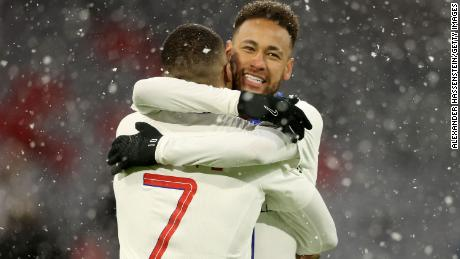 Mbappé and Neymar celebrate against Bayern Munich.