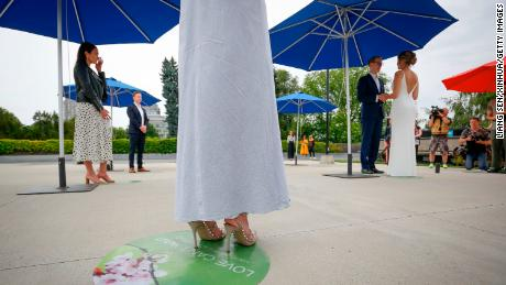 Planning or attending a wedding during the pandemic? Here's what you should do