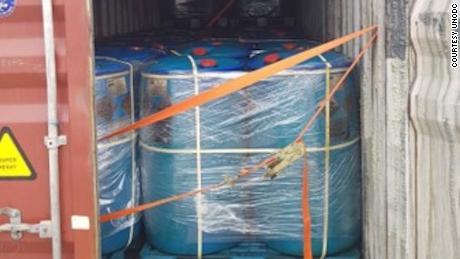 Kontainer pengiriman tersebut menampung 72 ton propionil klorida saat disita di Laos.