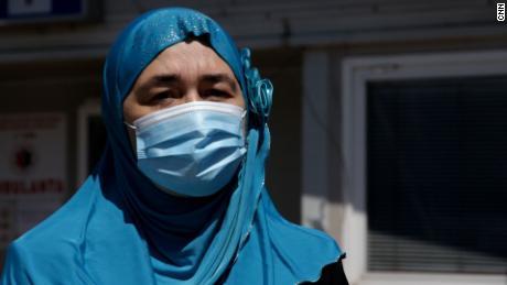 میڈیہا سلاتینا کا شوہر ایک ER معالج تھا جو نومبر میں مر گیا تھا - اسی ہفتہ میں اس کی ماں اور اس کے والد کی حیثیت سے۔