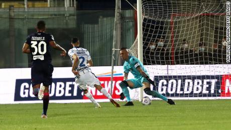 Achraf Hakimi scores Inter's second goal against Crotone.