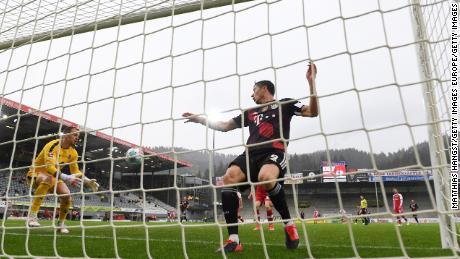 Lewandowski comes close to a record-breaking 41st goal.