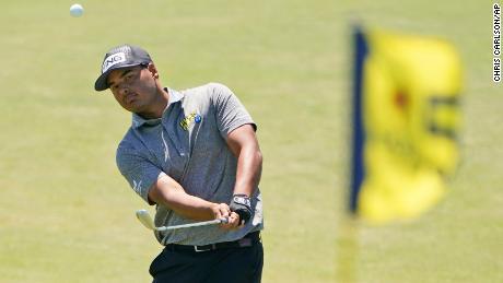 'Do I have to get it?!': Sebastián Muñoz hits golf ball into trash can during PGA Championship