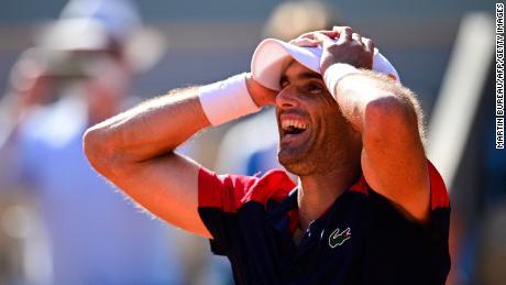Andújar célèbre sa victoire bouleversée contre Dominic Thiem dimanche.