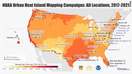 Mapa de campañas de islas de calor urbanas actuales y anteriores realizadas por NOAA.  La codificación representa el día típico más caluroso del año.  Cuanto más oscuro es el color, más tarde en el año suele llegar el día más caluroso.