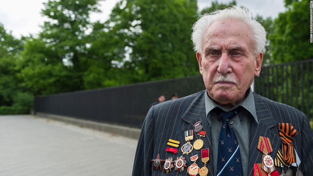 """<a href=""""https://www.cnn.com/2021/06/07/europe/david-dushman-auschwitz-intl-hnk/index.html"""" target=""""_blank"""">David Dushman,</a> the last surviving soldier who helped liberate Auschwitz-Birkenau, died June 5 at the age of 98, the Jewish community of Munich and Upper Bavaria said in a statement on its website."""