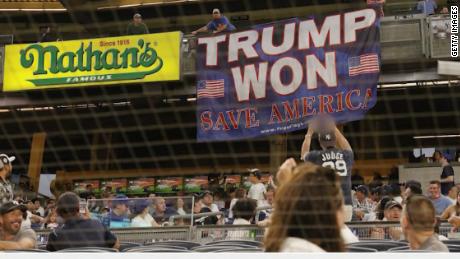 sports fan trump banner newday vpx _00000427