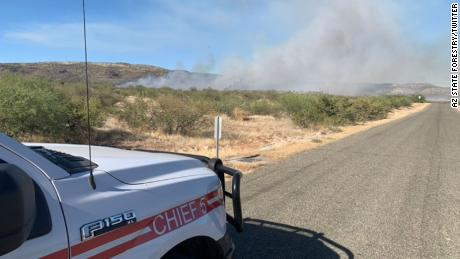 A wildfire in Cornville prompted evacuations and quickly grew to 1,000 acres after igniting Sunday.
