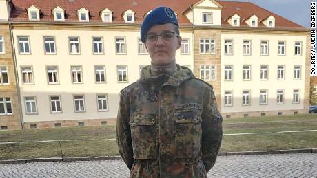 Джудит Эдерберг, 20 лет, студентка медицинского факультета Бундесвера Германии.