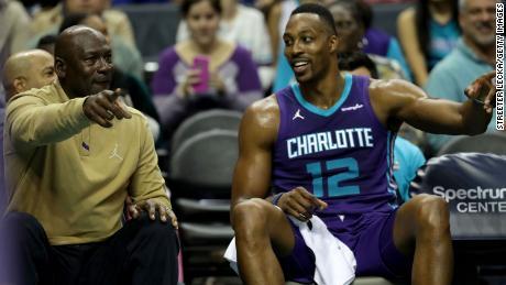 Jordan est le seul propriétaire principal noir de la NBA. Il a pris le contrôle majoritaire des Charlotte Hornets en 2010.
