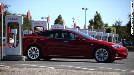 Wood es un gran admirador de Tesla, que es una de las principales participaciones en varios de los fondos de Ark.