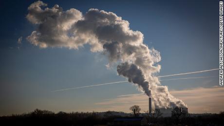 برطانیہ کے پاس اب بھی اپنے جرات مندانہ ماحولیاتی اہداف کو نشانہ بنانے کا کوئی منصوبہ نہیں ہے