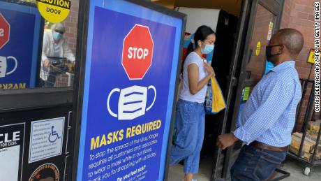 CDC updates guidance, recommends vaccinated people wear masks indoors in certain areas