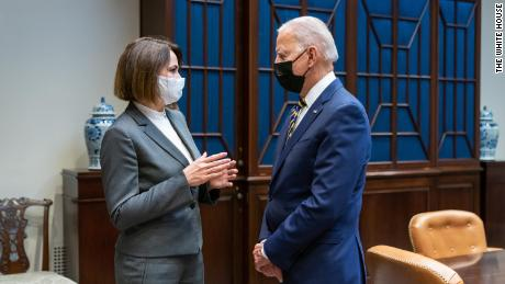 El presidente de Estados Unidos, Joe Biden, se reúne con Svetlana Tikhanovskaya en la Casa Blanca en julio.