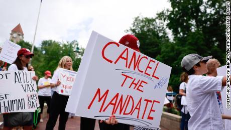 Challenge to Indiana University vaccine mandate reaches Supreme Court