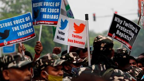 Twitter blocks Indian opposition accounts for revealing identity of child allegedly raped and murdered