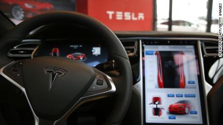 How Tesla sells
