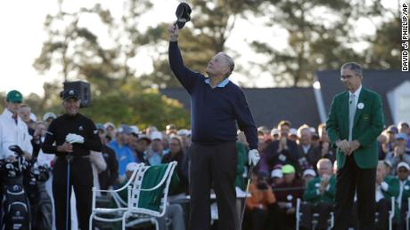 Nicklaus looks up to the sky to honor Palmer before hitting an honorary first tee shot for the ceremonial start of the first round of the Masters in 2017.