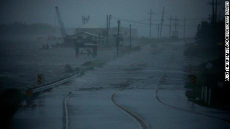 First death reported in Louisiana as Hurricane Ida continues wreaking havoc across southern US