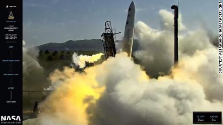 Rocket startup Astra's stock tanks after botched weekend test flight