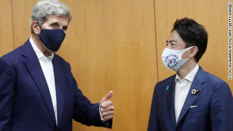 Kerry warns nations are running out of time to decarbonize and challenges China to move away from coal
