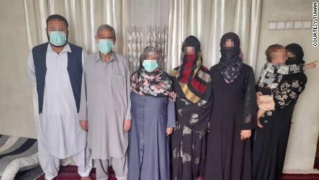 तुहान और उसका परिवार दशकों से अफगानिस्तान में रह रहा है।