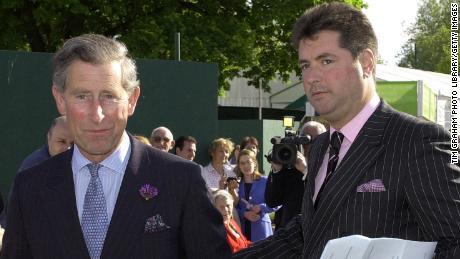 Princas Charlesas su savo tuometiniu tarnautoju Michaelu Fawcettu be datos.